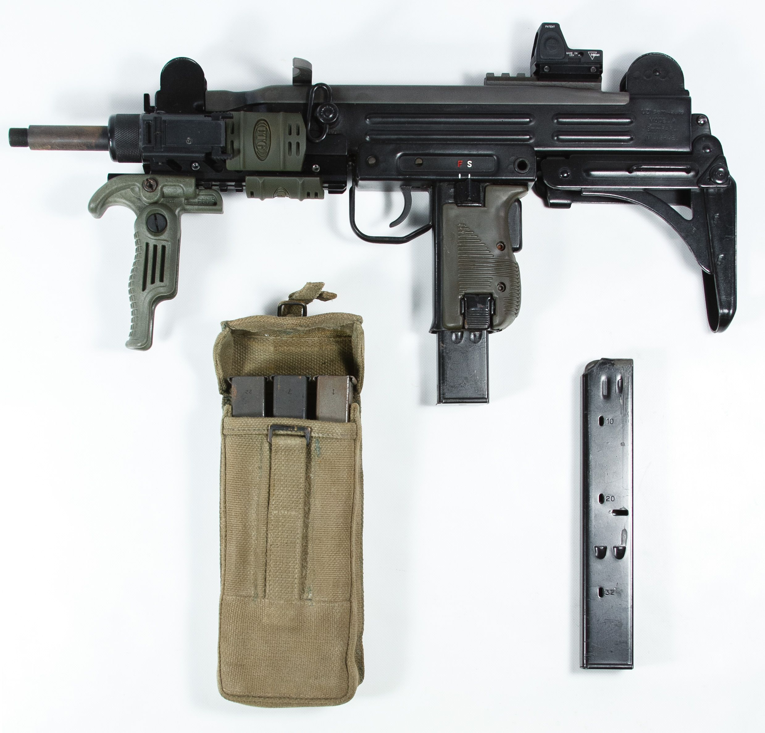 For sale trade imi uzi carbine made in israel 9mm - Lot Action Arms Uzi Model A Semi Automatic Carbine Serial Made In Israel Pre Ban Carbine With Folding Stock Including Five Magazines Military Magazine