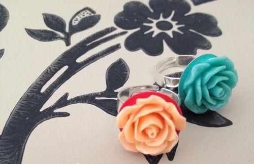 Anello rosa color corallo o 'azzurro Tiffany'