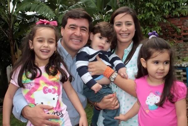 """ESPOSA DE CEBALLOS: """"Han secuestrado a mi esposo"""" http://www.canalntn24.com/node/125348   pic.twitter.com/iI1fKOlsHI"""