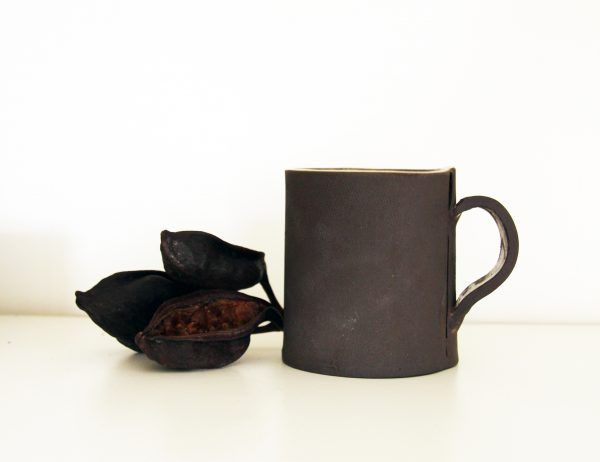Handmade tea mug in rustic style by Julia Lu . . . . . . #ceramics #clay #potterylover #tealovers #tableware #handmade #ilovepottery #modernceramics #claywork #art #rustic #minimal #contemporarypottery #mug #keramik #coffeemug#design #slow #陶器 #homeandliving #céramique #simple #homewares #minimalism #coffee#rawstyle #onmytable #cerámica #barcelona #julia_lu_studio