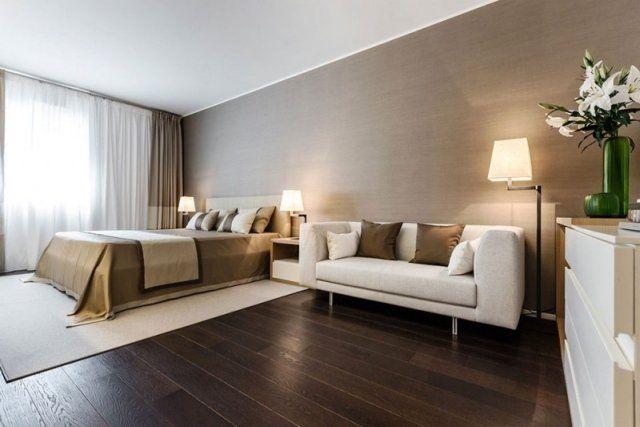 chambre-coucher-beige-blanc-parquet-flottant-bois-foncé.jpg (640×427 ...
