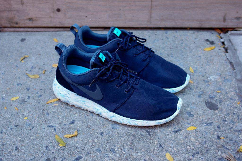 Blue sneakers, Nike roshe run