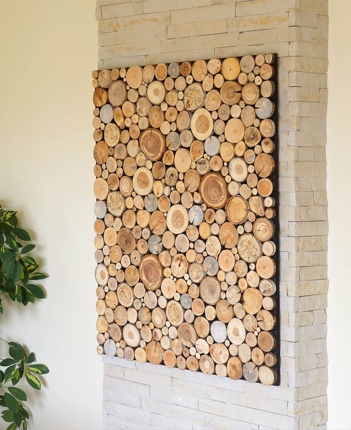 Wood Sliced Natural DIY Wall Art #woodprojects