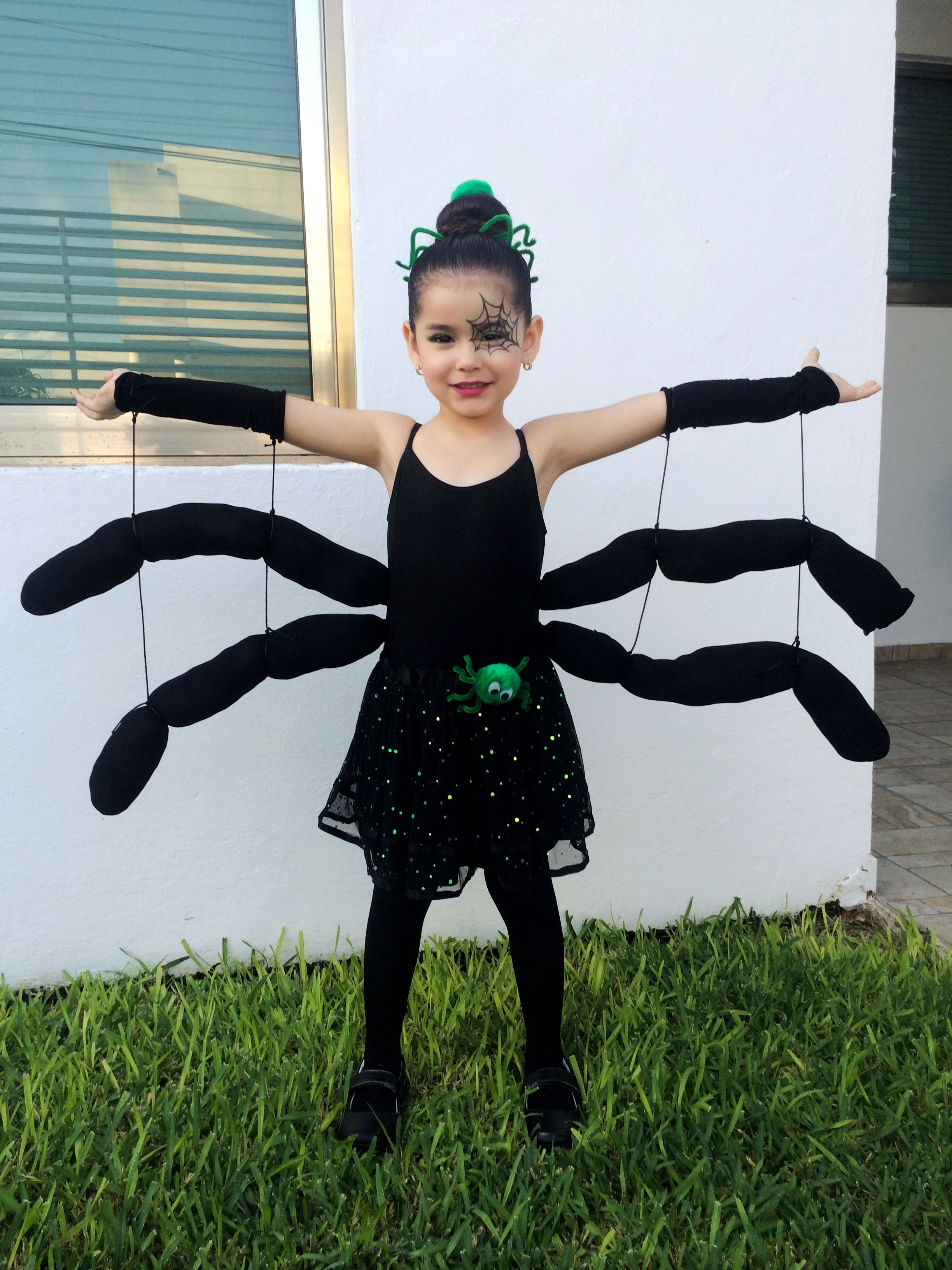 3e9d1b91a29b7 Spider Costume baby girl toddler kids DIY (tights and an old cushion) cute  halloween