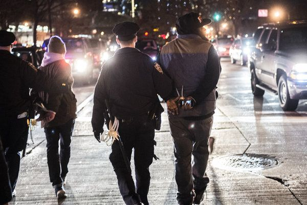 Wave of Protests After Grand Jury Doesn't Indict Officer in Eric Garner Chokehold Case - NYTimes.com