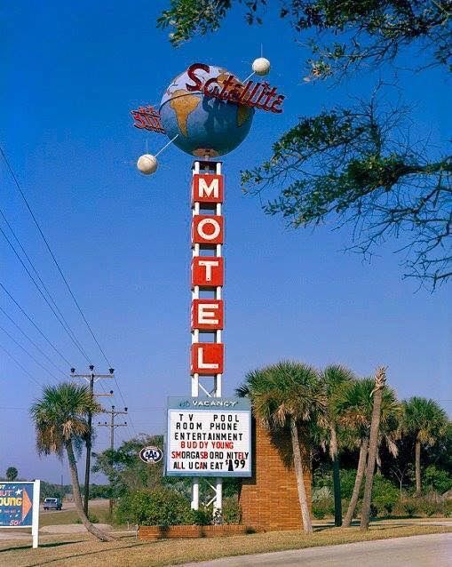 The Satellite Motel and the Pillowtalk Lounge, THE place