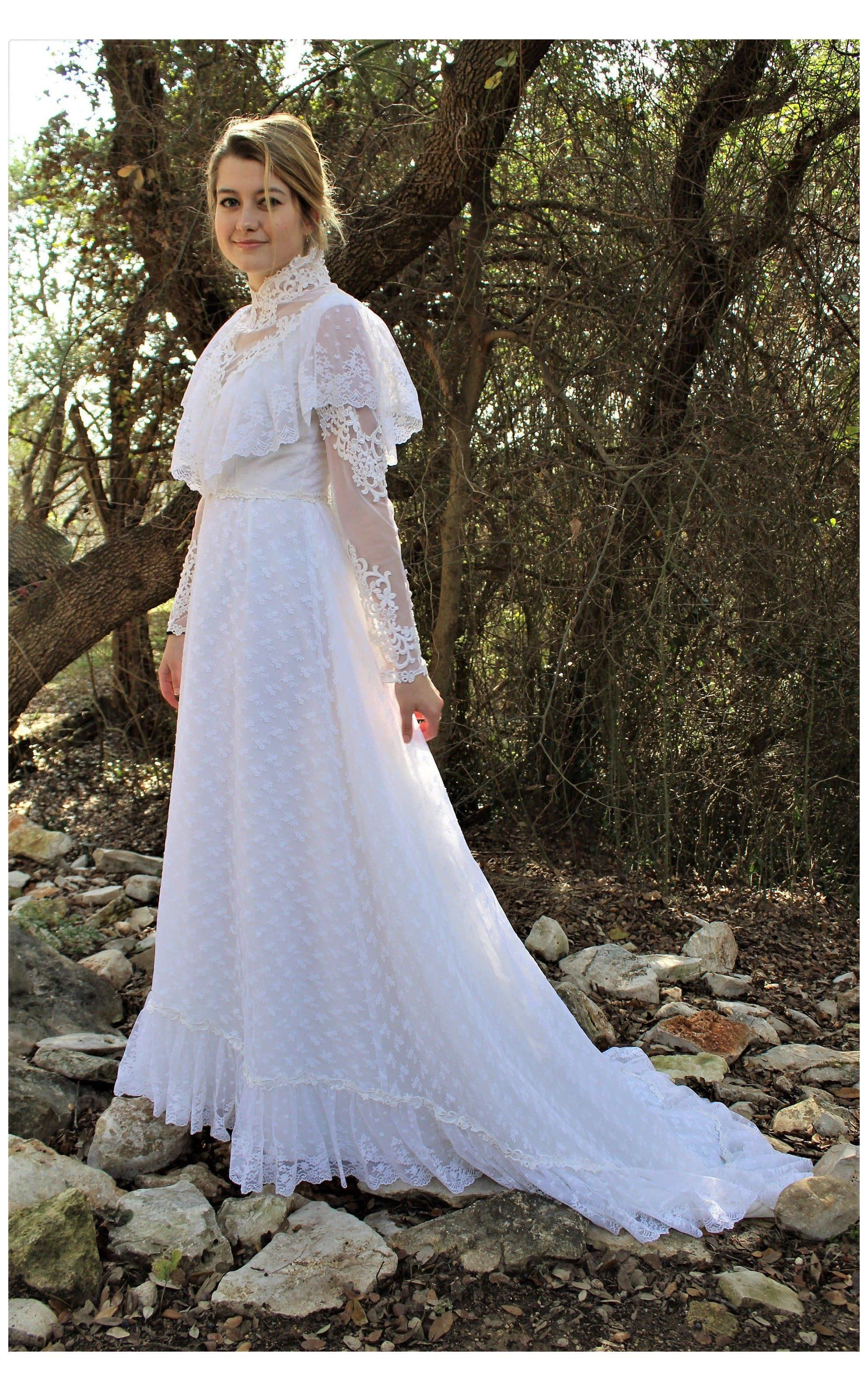 Long Sleeved Wedding Gown   XS/S, Vintage Wedding Gown, Boho ...