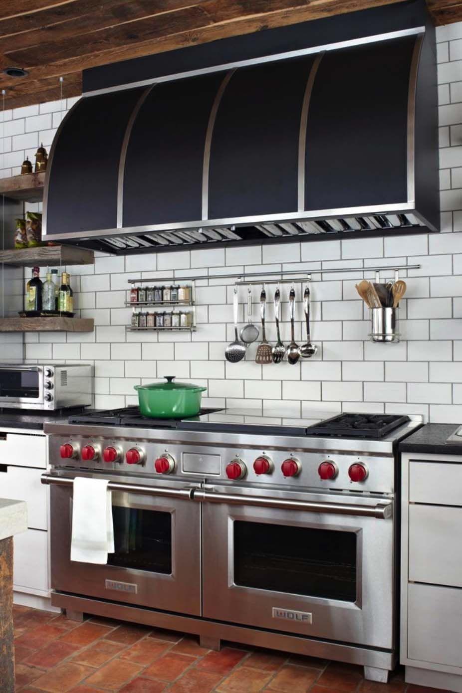 A Stunning European Style Cottage In Chicago S North Shore Kitchen Remodel Kitchen Tiles Backsplash Outdoor Kitchen Appliances