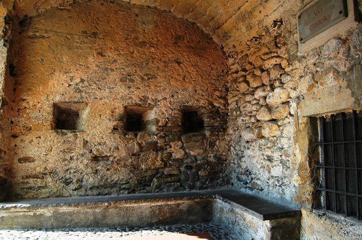 Dolceacqua Im Via Castello Castello