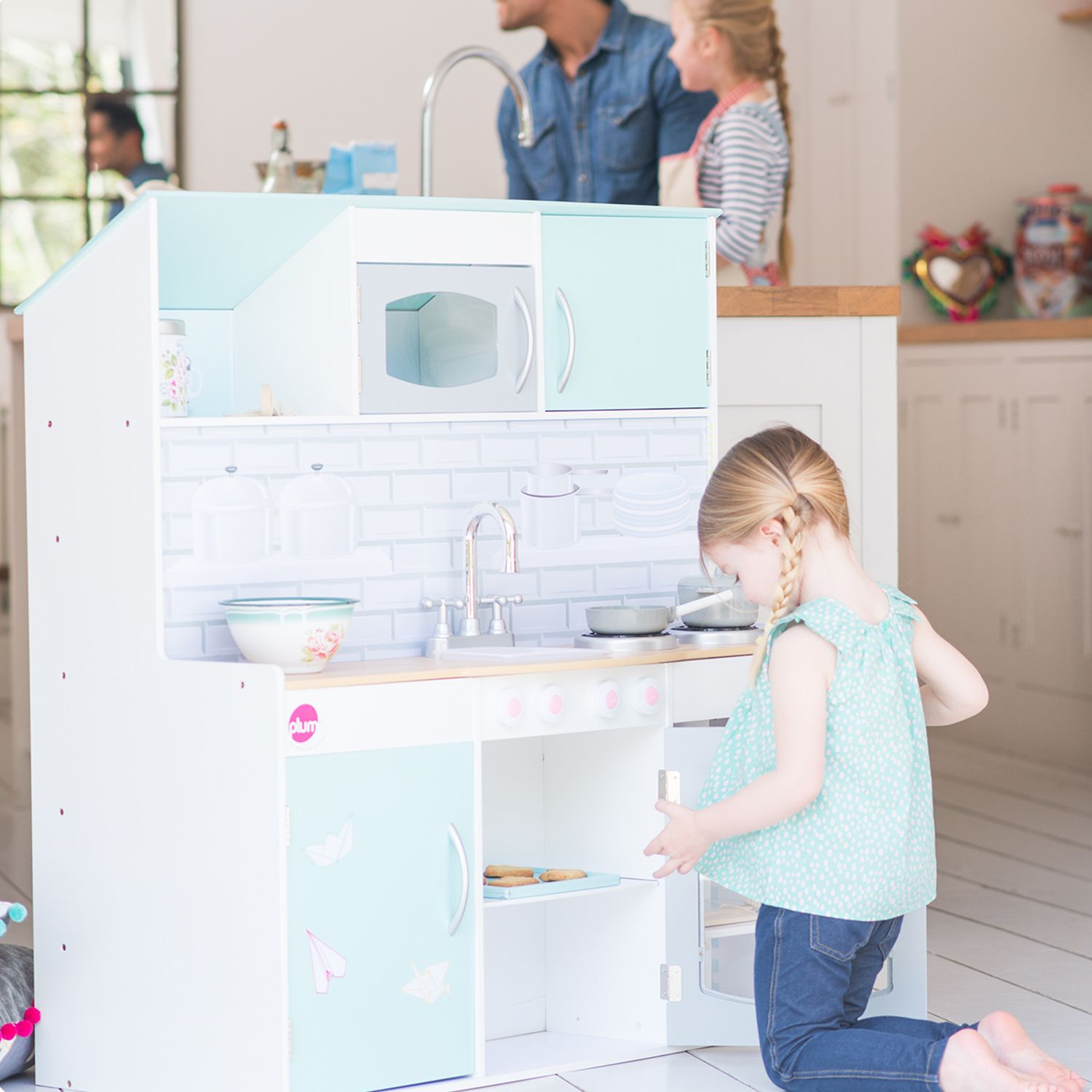 Plum Peppermint Townhouse 2 In 1 Kitchen And Dolls House The