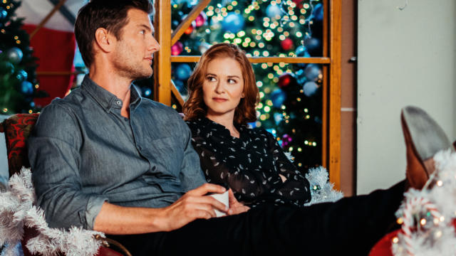 Christmas & Holiday Movie Schedule Lifetime Twinkle All