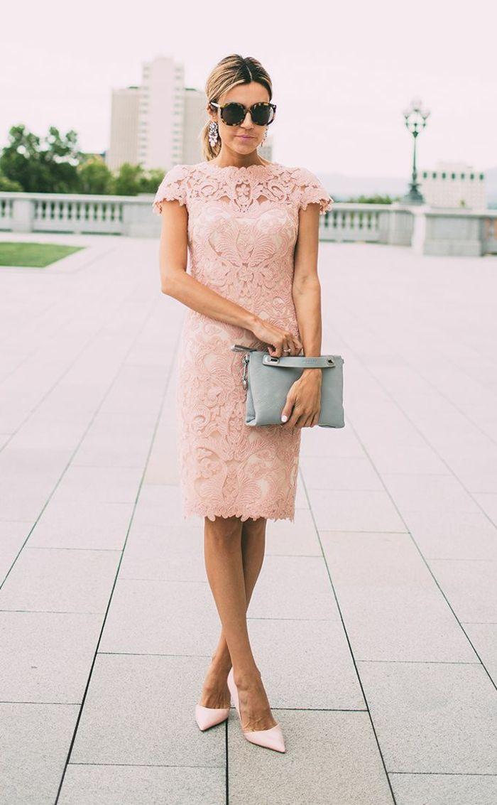 Jolie robe rose poudre