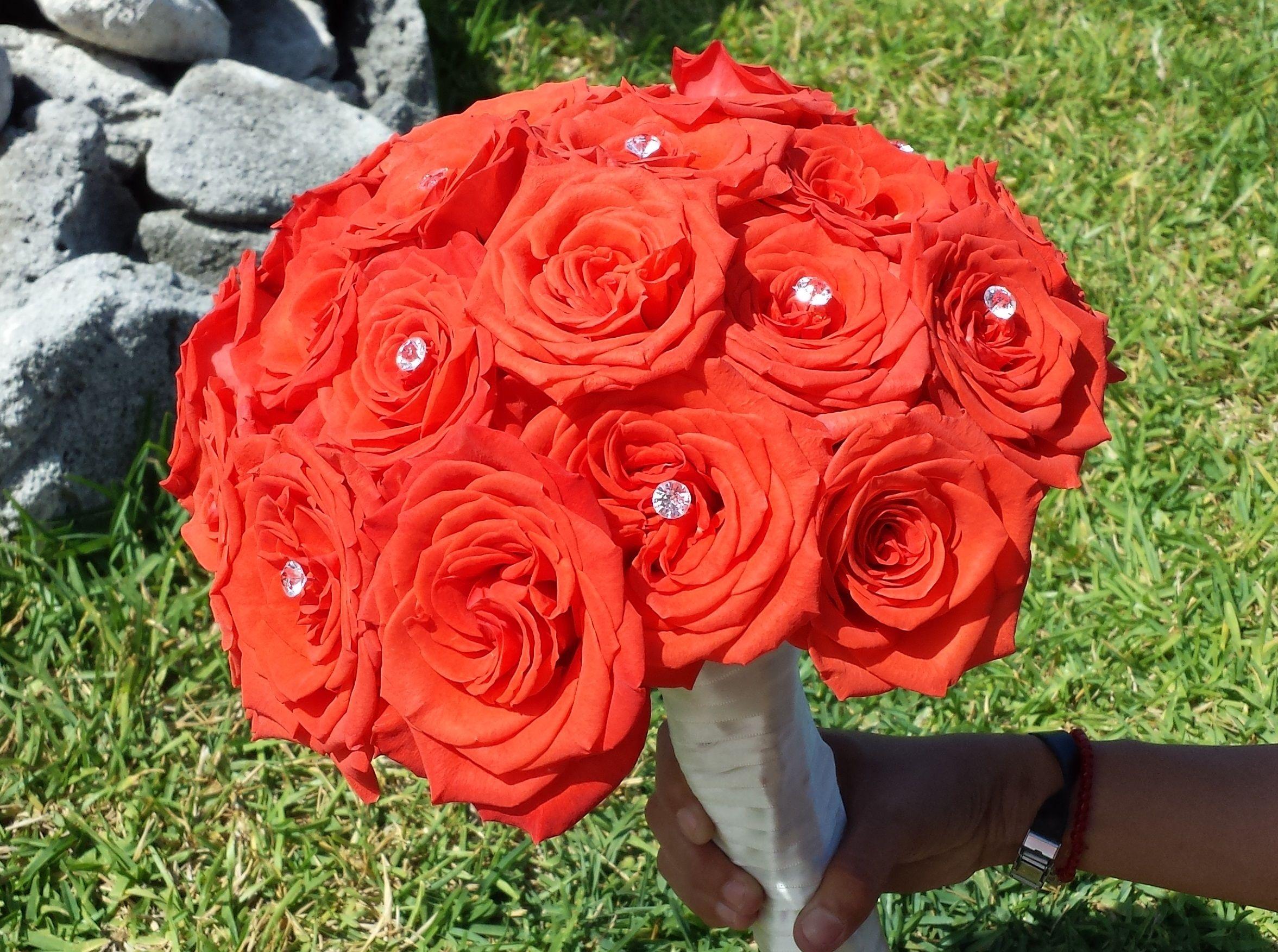 El Ramo De La Novia Con Rosas Color Coral