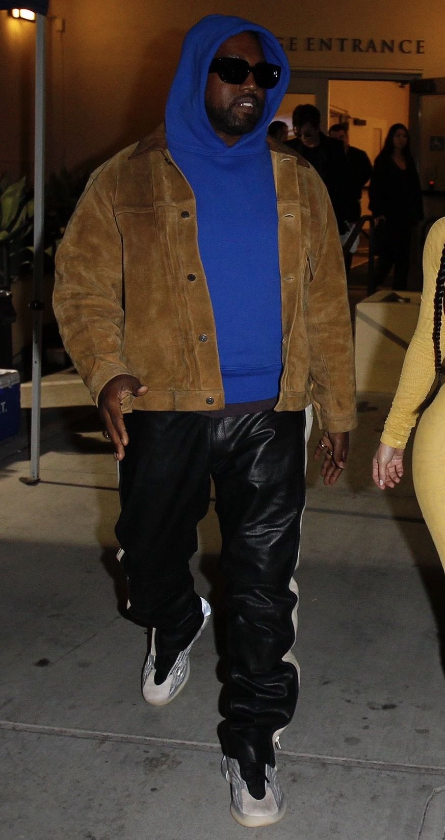 Pin By Wsahiry On 2020 Vision In 2020 Kanye West Style Kanye West Outfits Kanye Fashion
