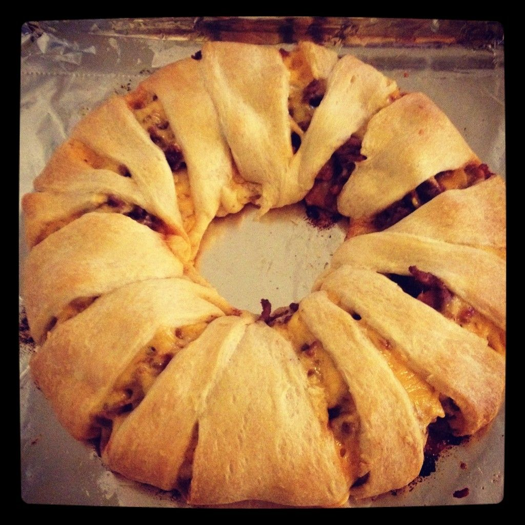 Taco Ring. For the halloween potluck. Party snack food