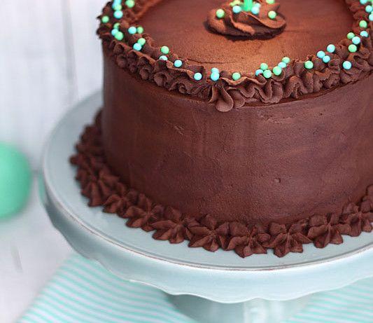 Un año contigo ¡Feliz cumpleaños! [Y tarta de chocolate, nueces y plátano asado]