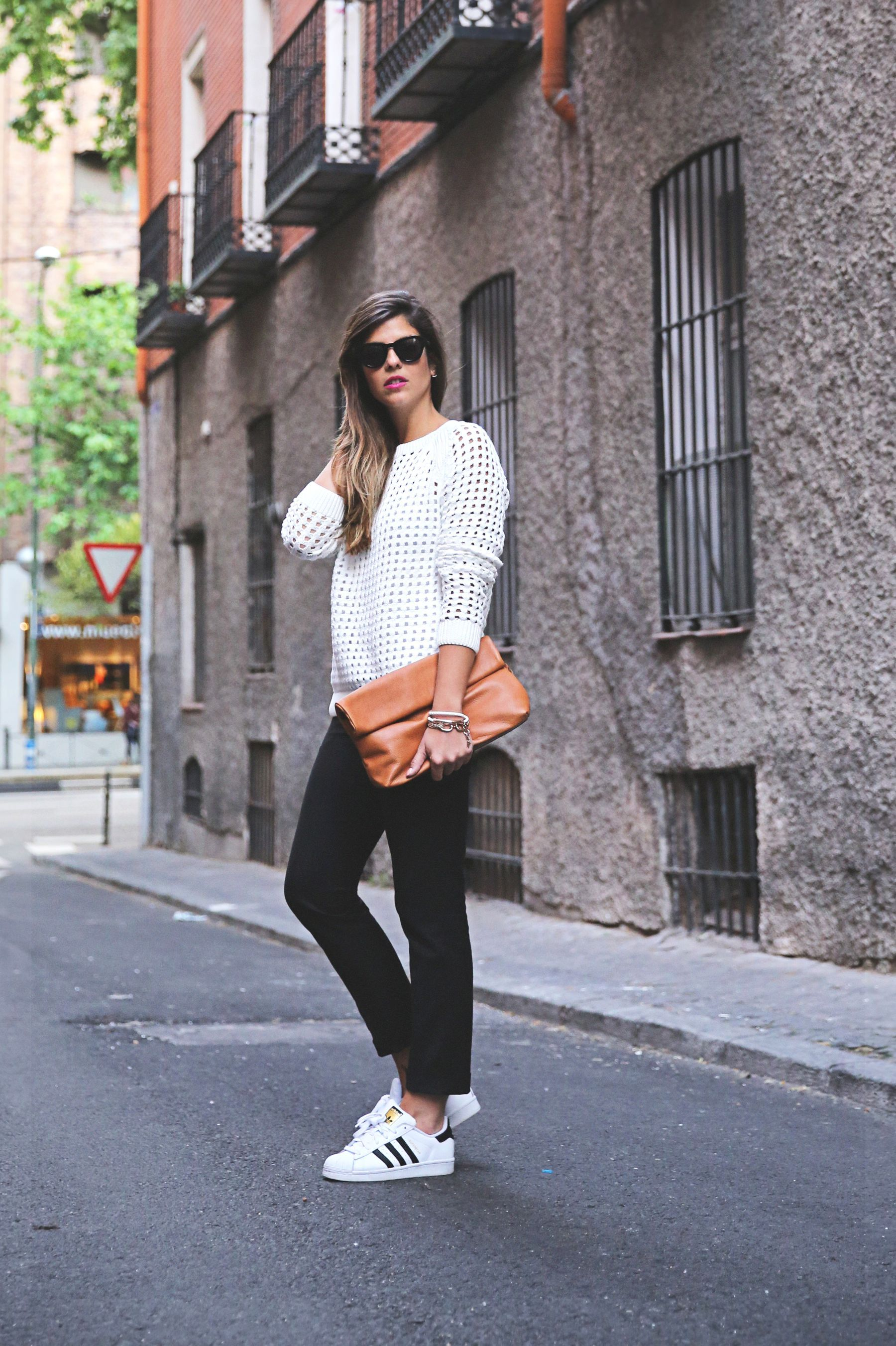 SuperStar | Tenis adidas blancos mujer, Outfits con ...