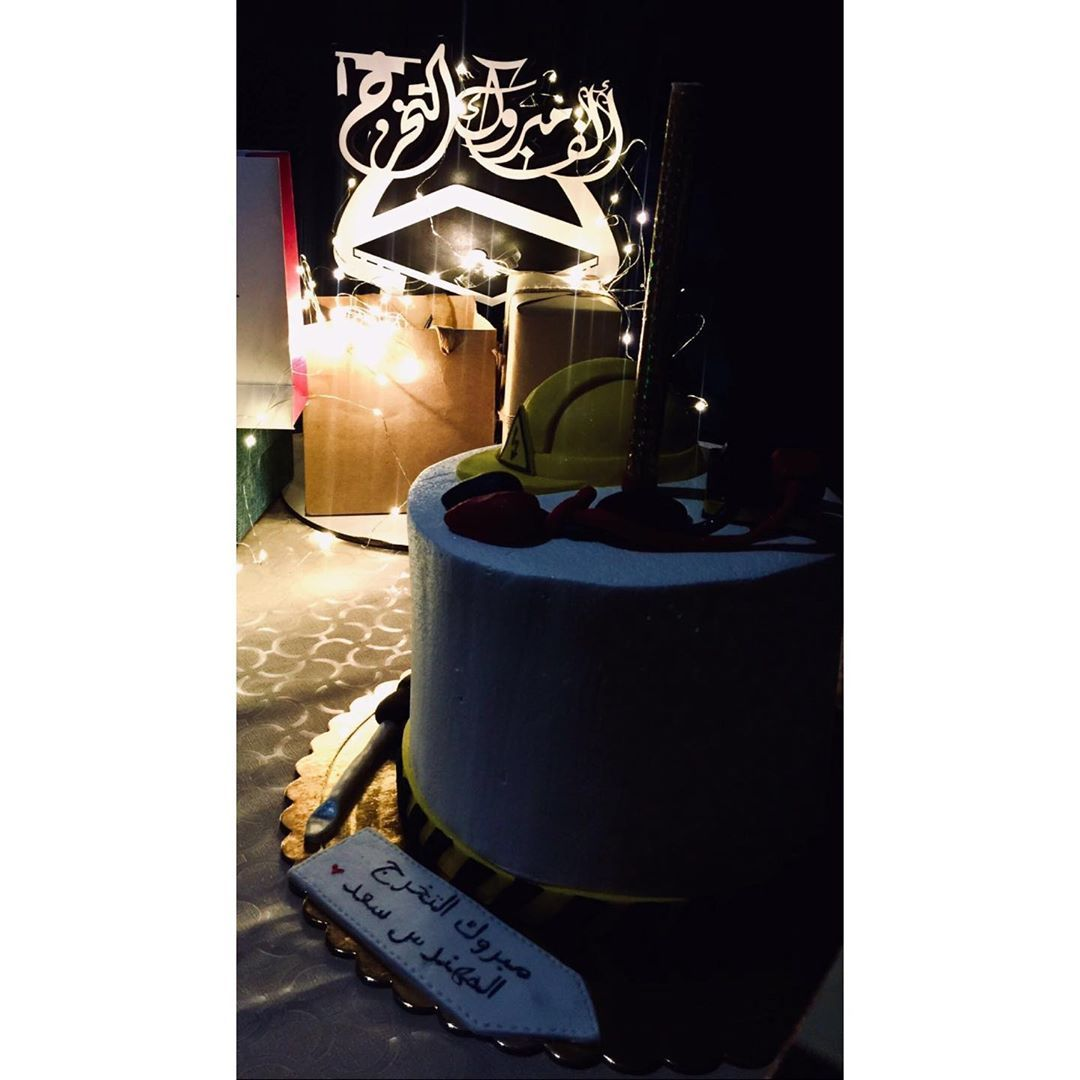 سالخير صباح الخير 2019 7 18 يوم تخرج اخي الذكريات سنابات تخرج Eidmubarak Beach Picture Photo Snapchat Lens Photography Design Vid