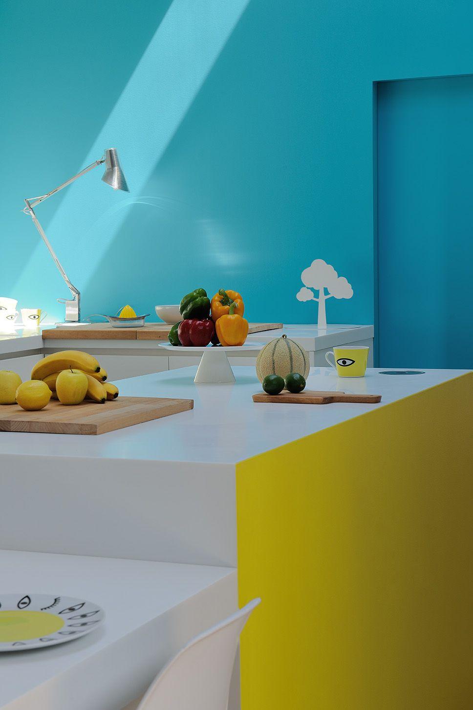 Une cuisine vivante et acidulée #zolpan #peinture #bleu #jaune