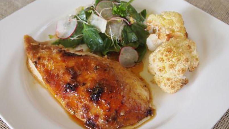 Hacer pollo al horno en casa es tan fácil y sale tan rico que no tiene sentido…