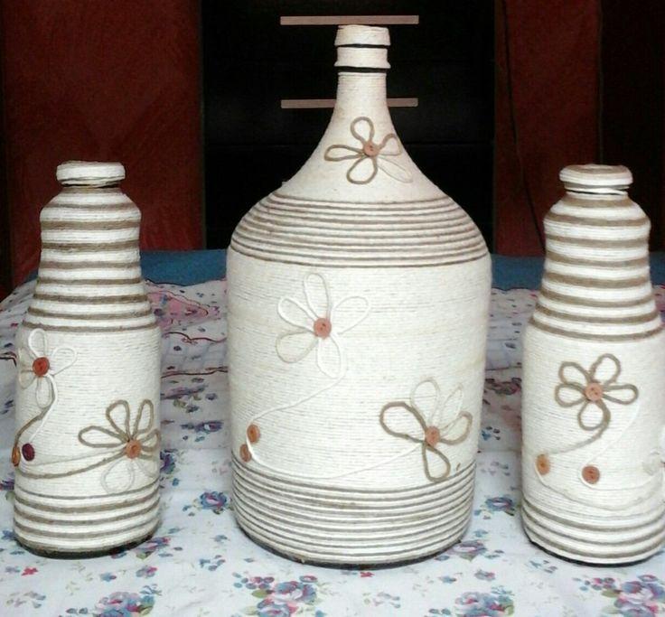 Resultado de imagem para garrafas decoradas artesanatos variados Garrafas decoradas  -> Decorar Garrafas De Vidro Com Barbante