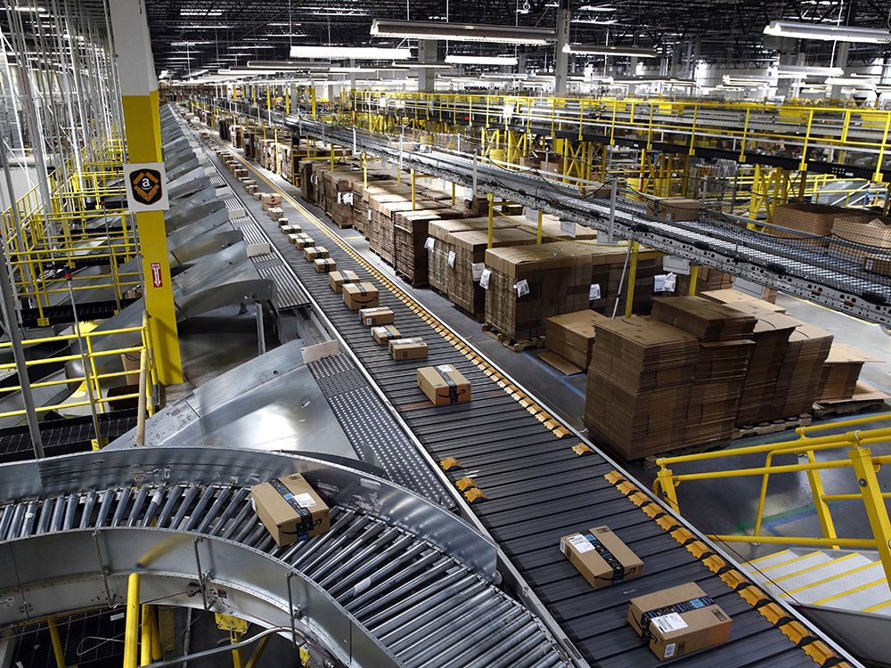 New Distribution Centre For Amazon In Corvera Amazon Amazon