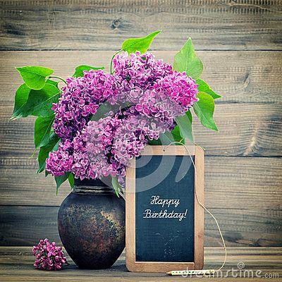 Bouquet Des Fleurs Lilas Tableau Noir Avec Le Joyeux Anniversaire