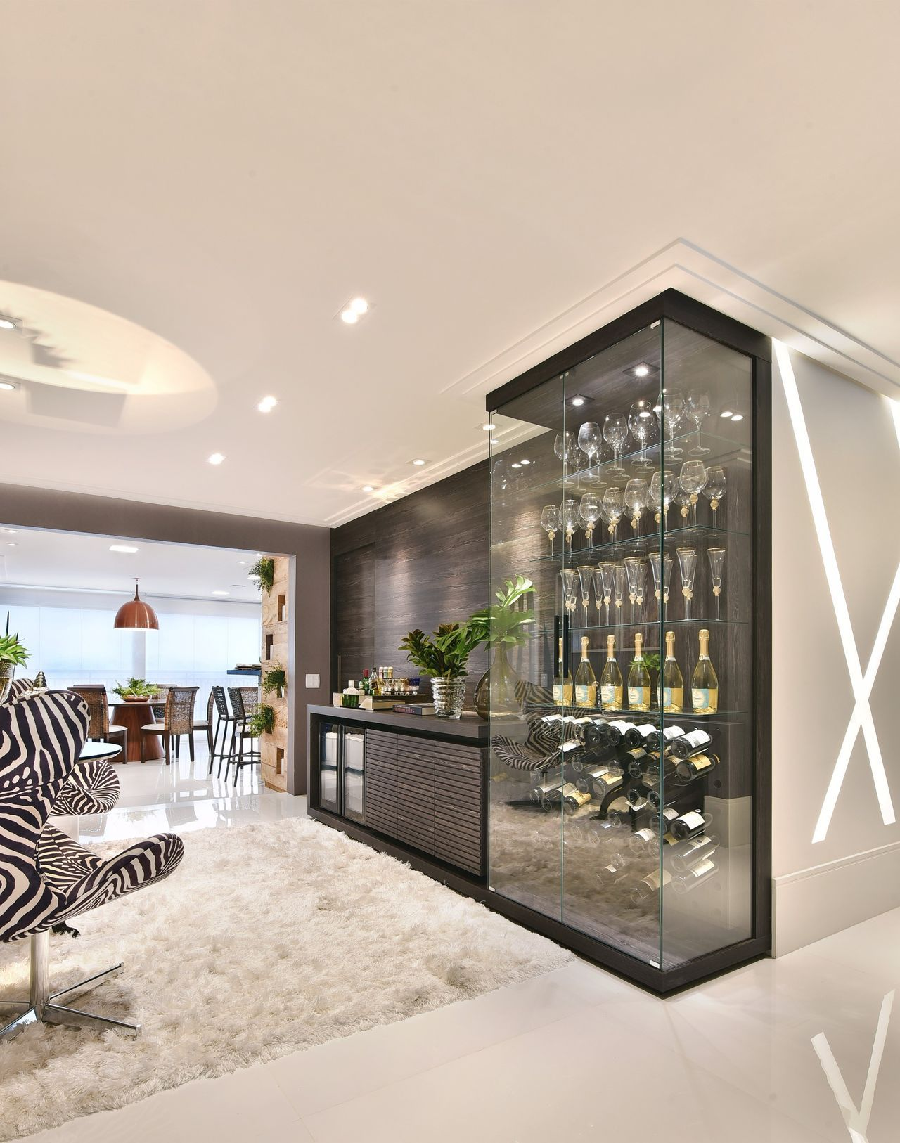Adega Moderna Com Display De Vidro Wine Cellar Pinterest Sala  -> Adega Na Sala De Estar