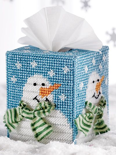 Seasonal Tissue Toppers snowman in plastic canvas
