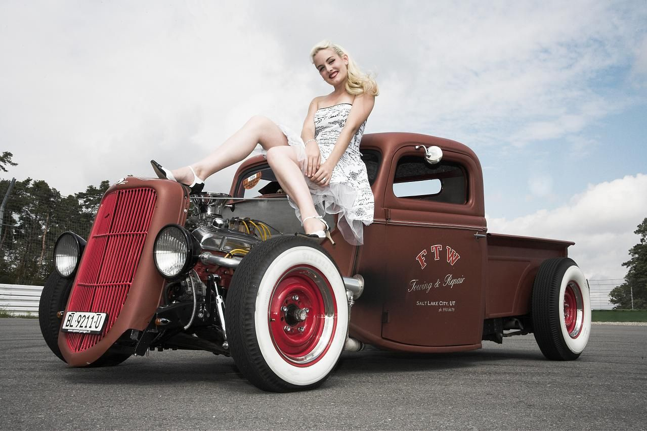 Pin up rods and hot vintage girls