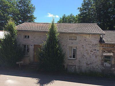 Natursteinhaus mit 1 Hektar Grundstück südliche Vogesen