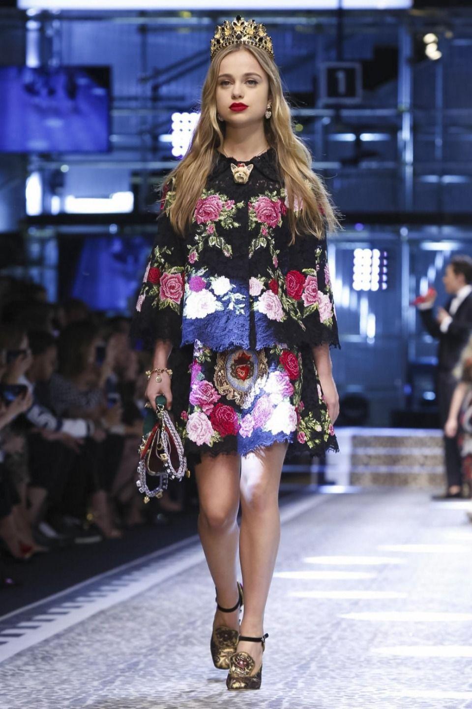 Lou Stoppard reports on the Dolce e Gabbana show - Dolce e Gabbana @ Milan Womenswear A/W 17 - 18