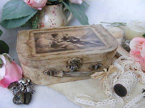 giovana / Vintage kufrík ...