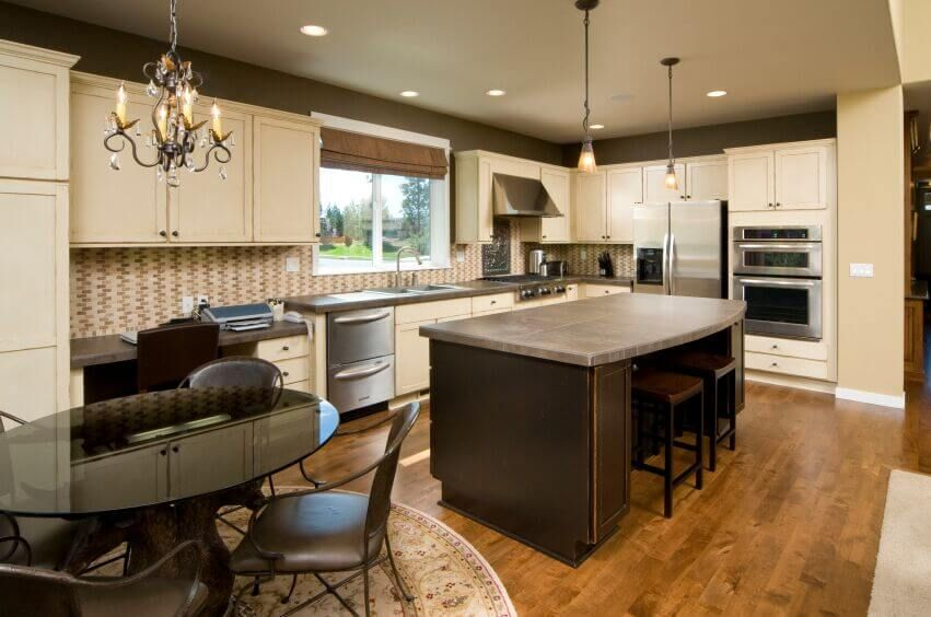 36 Inspiring Kitchens With White Cabinets And Dark Granite Pictures Grey Kitchen Walls Contemporary Kitchen White Kitchen Cabinets