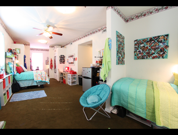 triple room at ivy house uf luxury dorm on sorority row in gainesville fl ivy house. Black Bedroom Furniture Sets. Home Design Ideas
