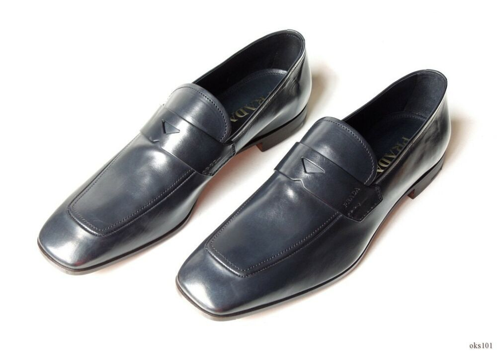 new $690 men's PRADA navy blue leather LOGO strap loafers
