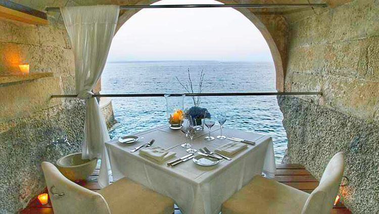 Extraordinary Dinner Experience In A Cave For You At Hospes Hotel