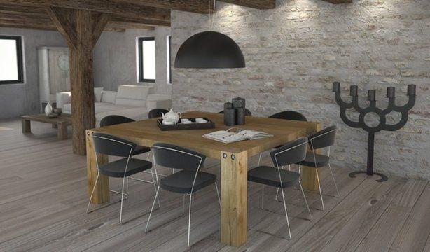 Vierkante houten tafel.