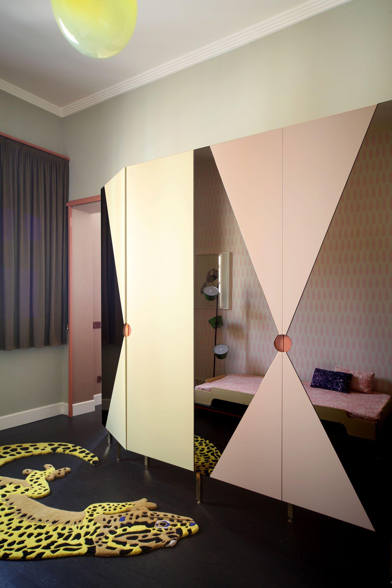 Wardrobe design Extraordinary Heritage Apartment Renovation in Venice by Marcante