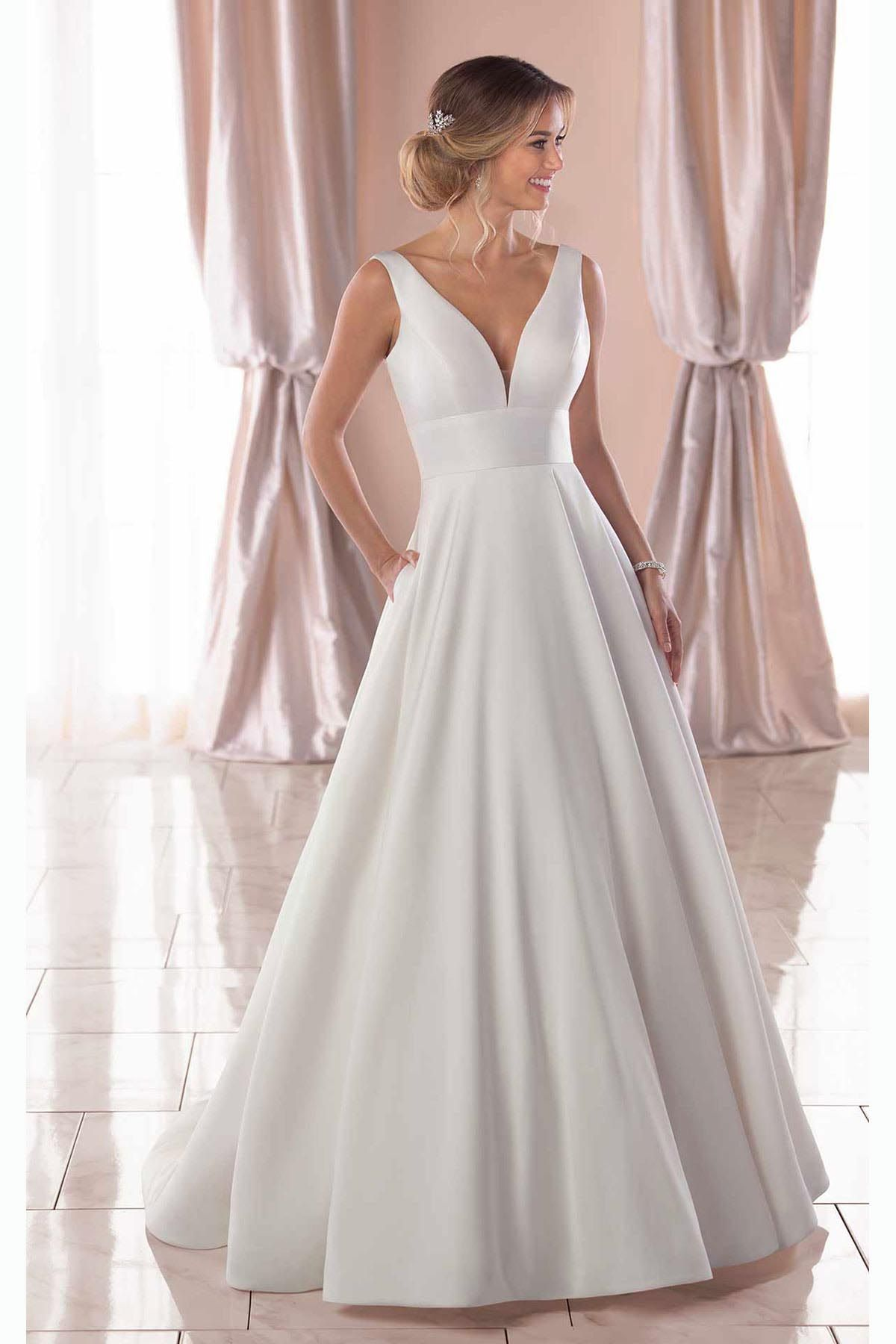 Bridal Gowns With Images Ball Gown Wedding Dress Simple Wedding Gowns Stella York Wedding Dress