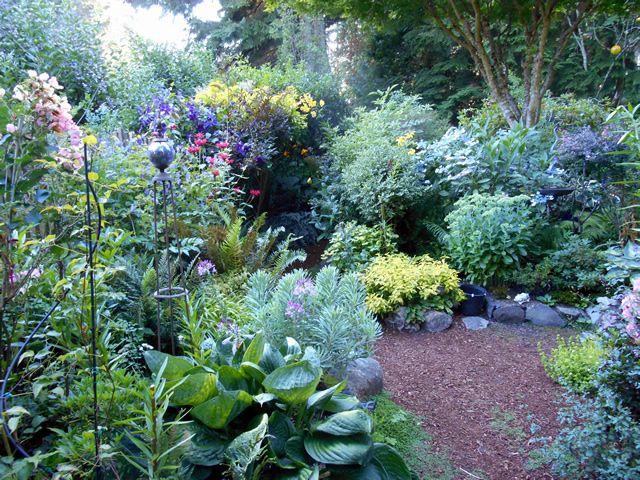 Http://www.finegardening.com/never Ending Garden | Garden Ideas | Pinterest  | Gardens, Tropical Garden And Garden Ideas