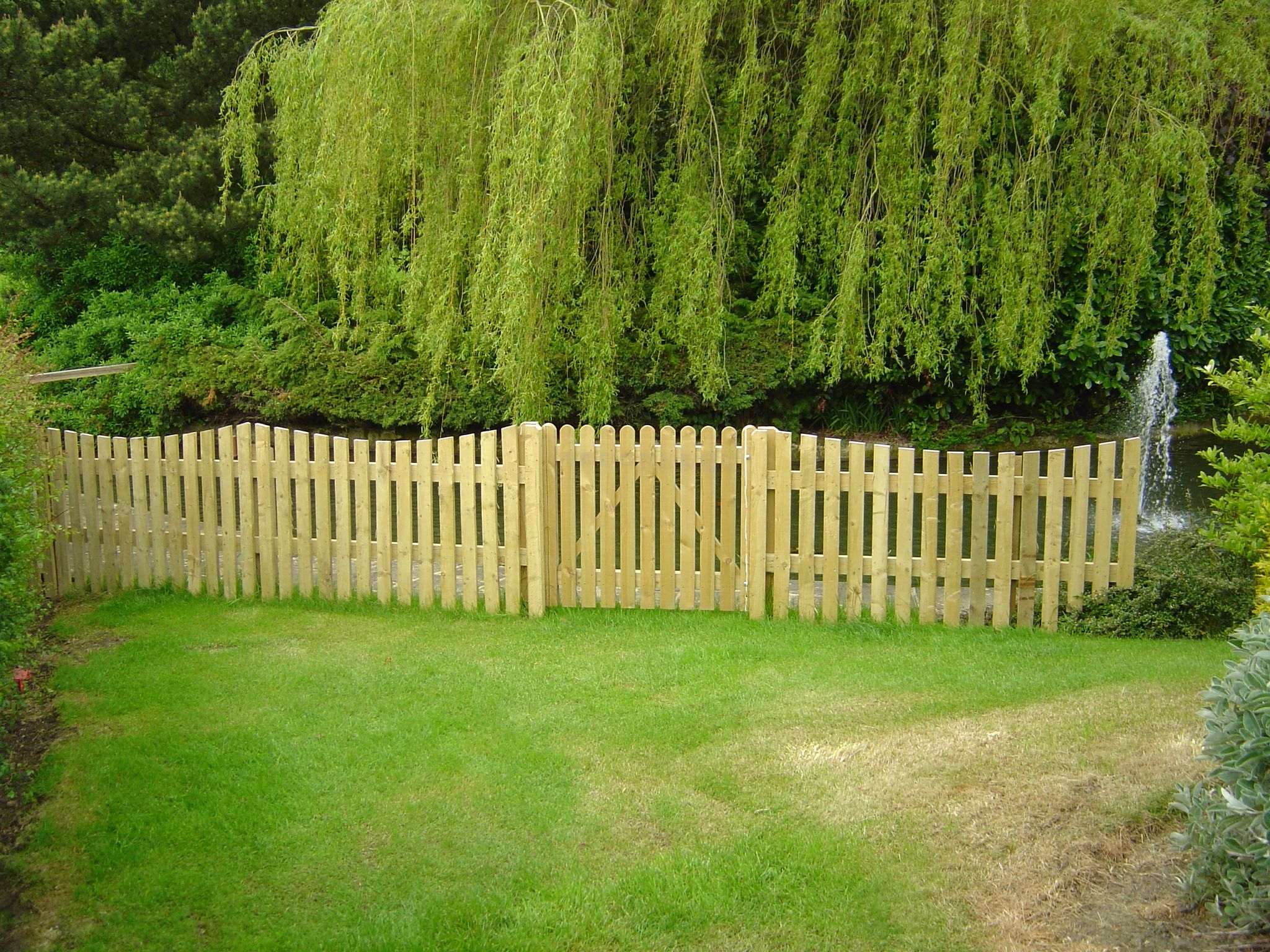 Small Garden Fence Ideas backyard fences ideas backyard fence ideas elegant backyard wood fence ideas garden design garden design with 10 Garden Fence Ideas That Truly Creative Inspiring And Low Cost