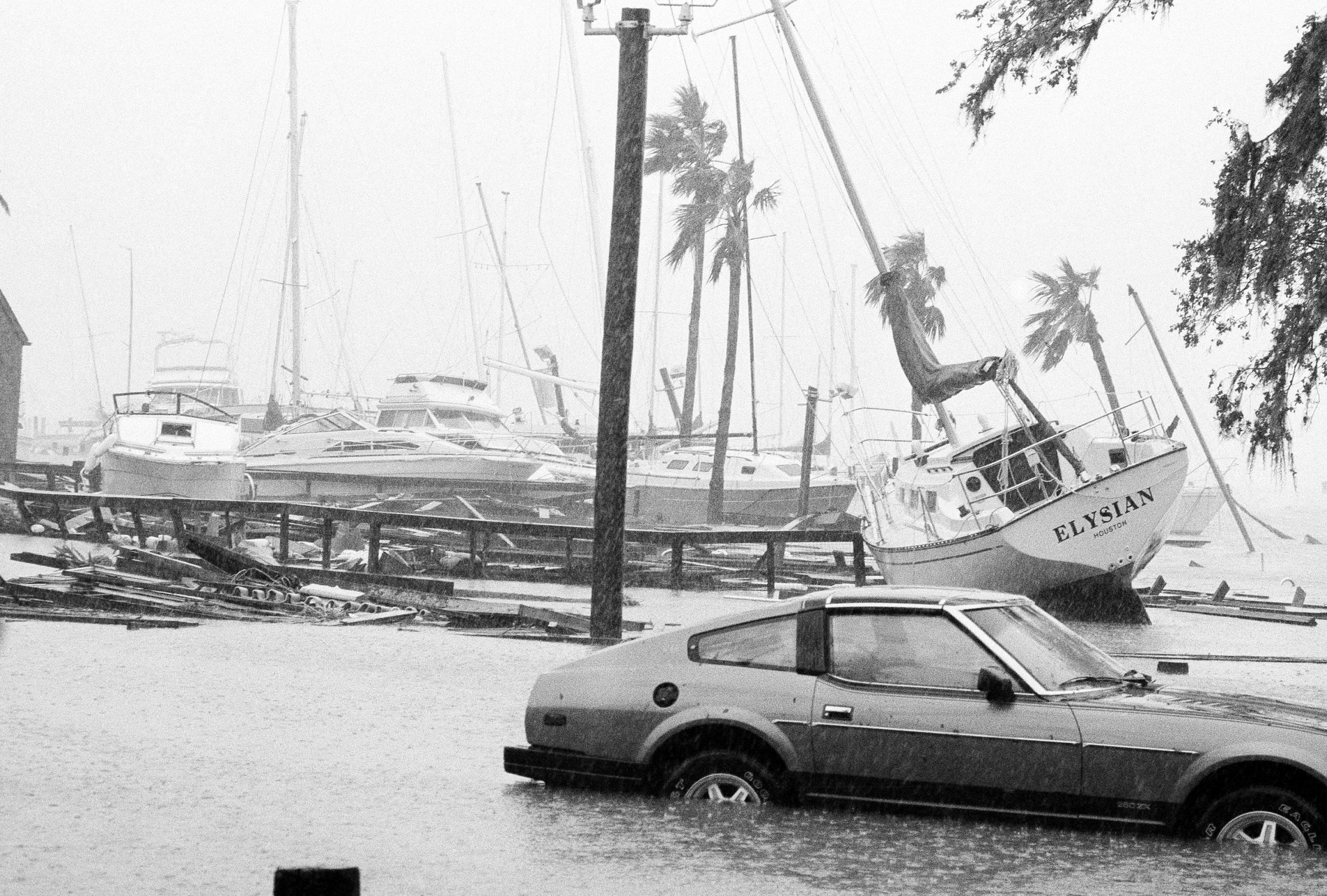 Hurricane Alicia 1983 By The Time It Reached The Western End Of Galveston Island In Texas Alicia Had B Hobby Photography Hobbies For Couples Hobbies For Men
