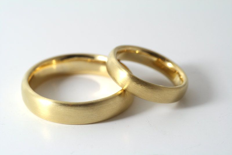Trauringe Aus Gold 750 Mit Ovalem Profil Ring Pinterest