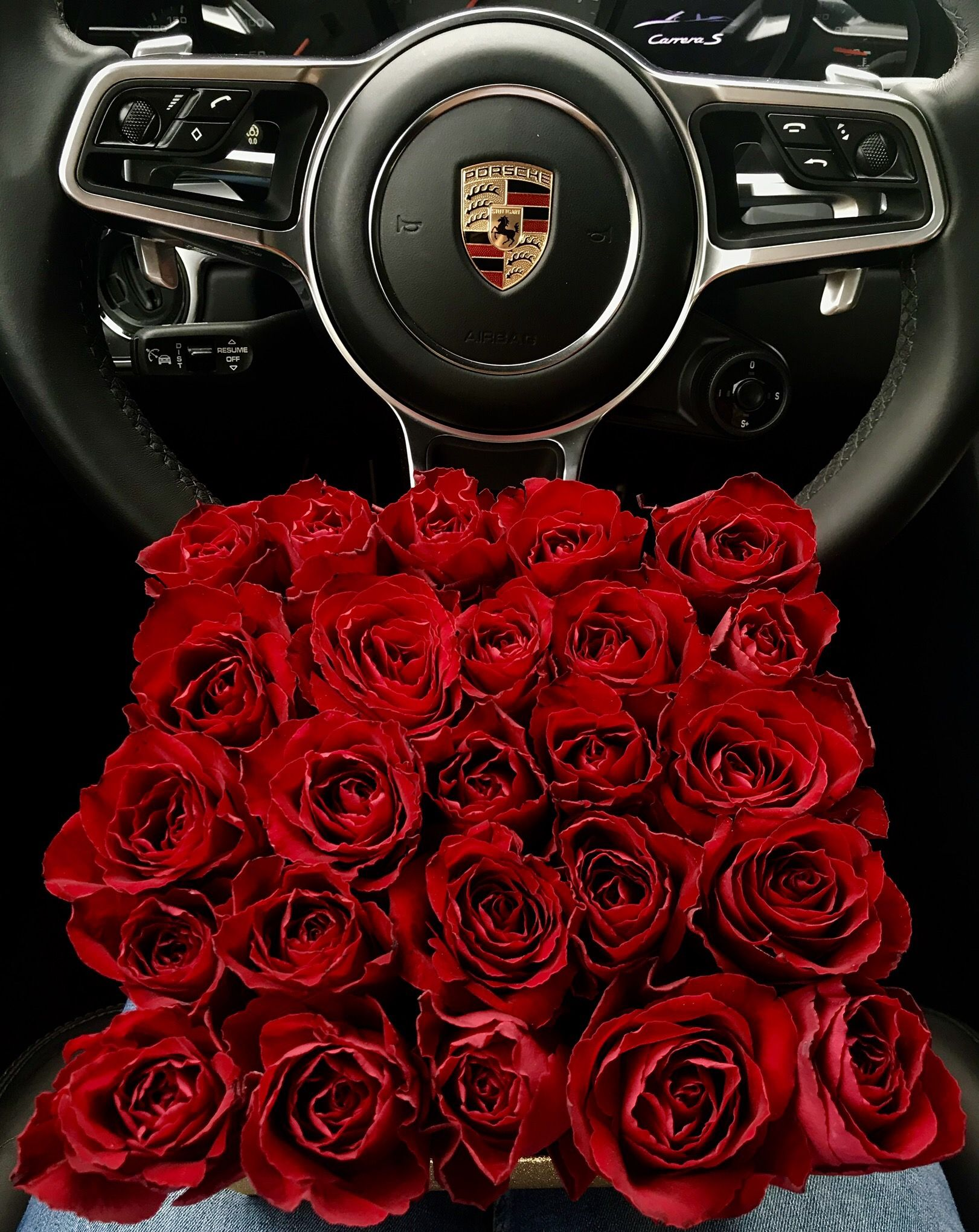 Rosenbox Porsche Carrera S Rote Rosen Luxury Lifestyle Steering Wheel Porsche
