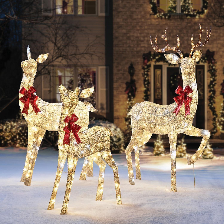 Member S Mark Gold Mesh Deer Family Sam S Club Outdoor Christmas Reindeer Christmas Reindeer Lights Reindeer Outdoor Decorations