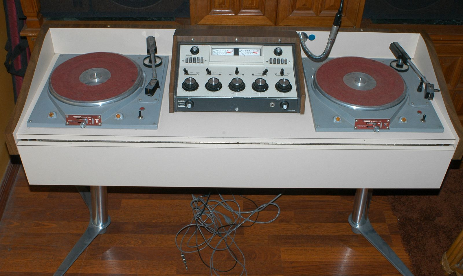 Vintage DJ? Yep, Iu0027ve Spun U0027em On Russco 3 Speeds, Myself! Ask Me If Iu0027d  Like To Own This Set Up! Hillbilly Hollywood Hotness!