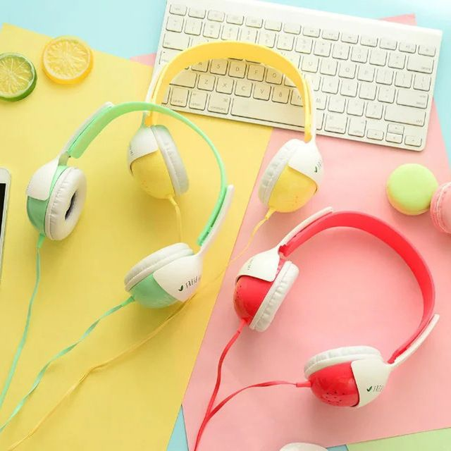 Buy these super Kawaii headphones! That is your Link  https://m.pt.aliexpress.com/item/32749074142.html
