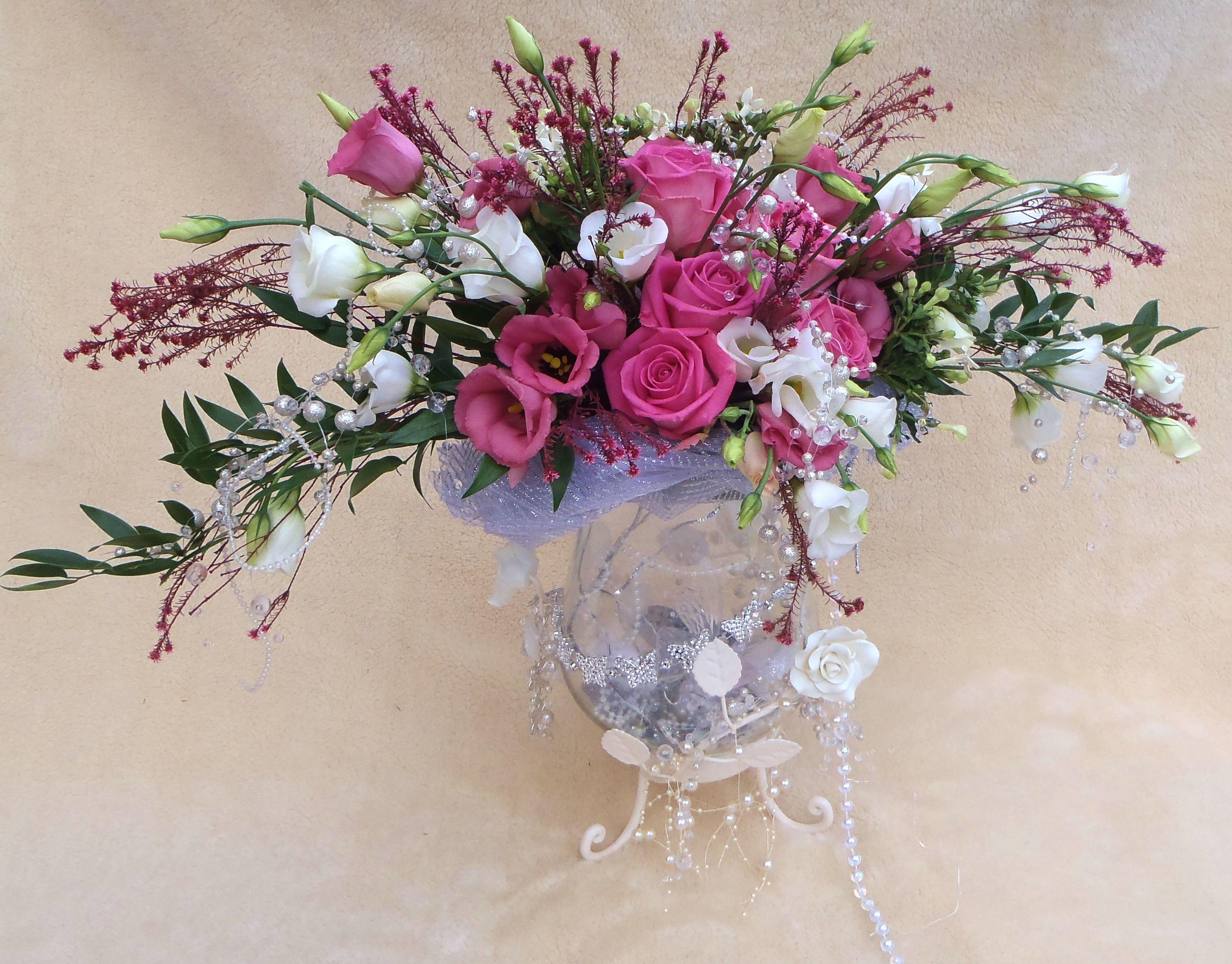 Vintage wedding table designbeautiful unusual flower designs vintage wedding table designbeautiful izmirmasajfo