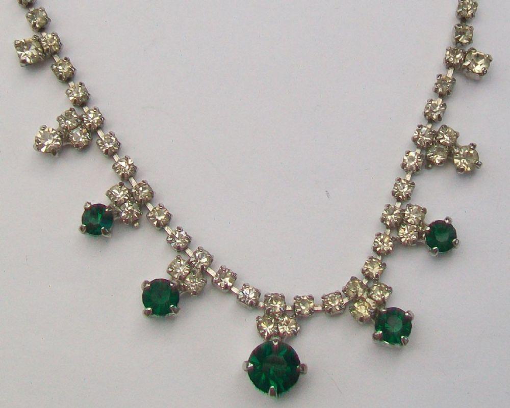 ventage emeral chocker | vintage-claw-set-emerald-glass-stones-pastes-necklace-670-p[ekm ...